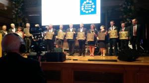 Alle 12 Bürgermeister mit den Auszeichnungen