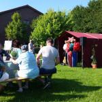 Björn Mühlena, der alle 12 Gärten besucht hat, bedankt sich bei den Gartenbesitzern und den Organisatoren mit dabei Frau Schnüster Marion Hinz